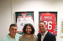 Augenlaser operation iClinic der kanadische Eishockeyspieler Mathew Maione 10