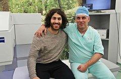 Augenlaser operation iClinic der kanadische Eishockeyspieler Mathew Maione
