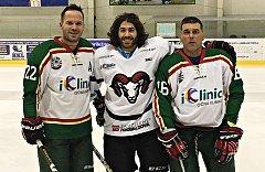 Augenlaser operation iClinic der kanadische Eishockeyspieler Mathew Maione 11